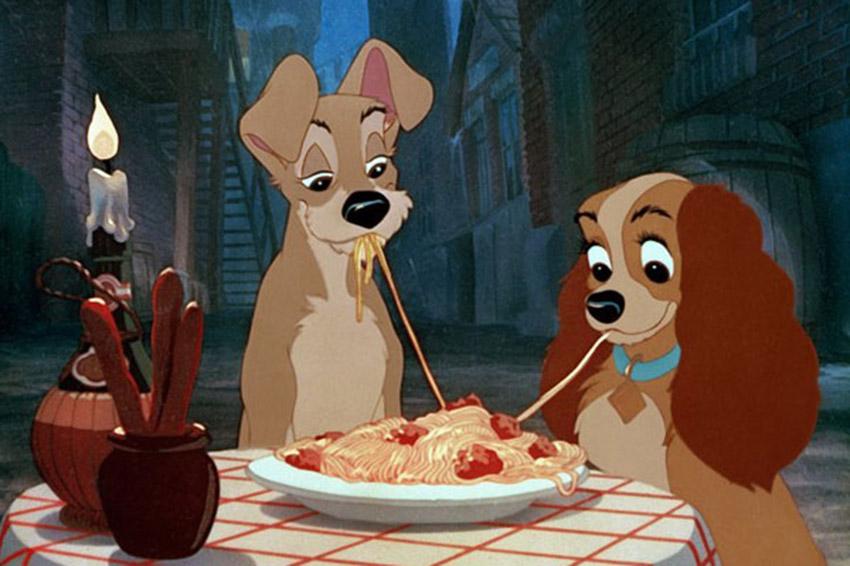 собаки едят макароны, мультик